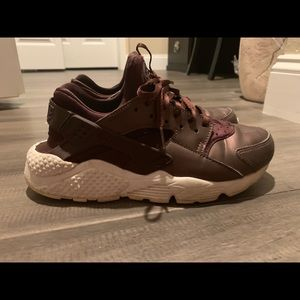 Mahogany girls Nike Huaraches